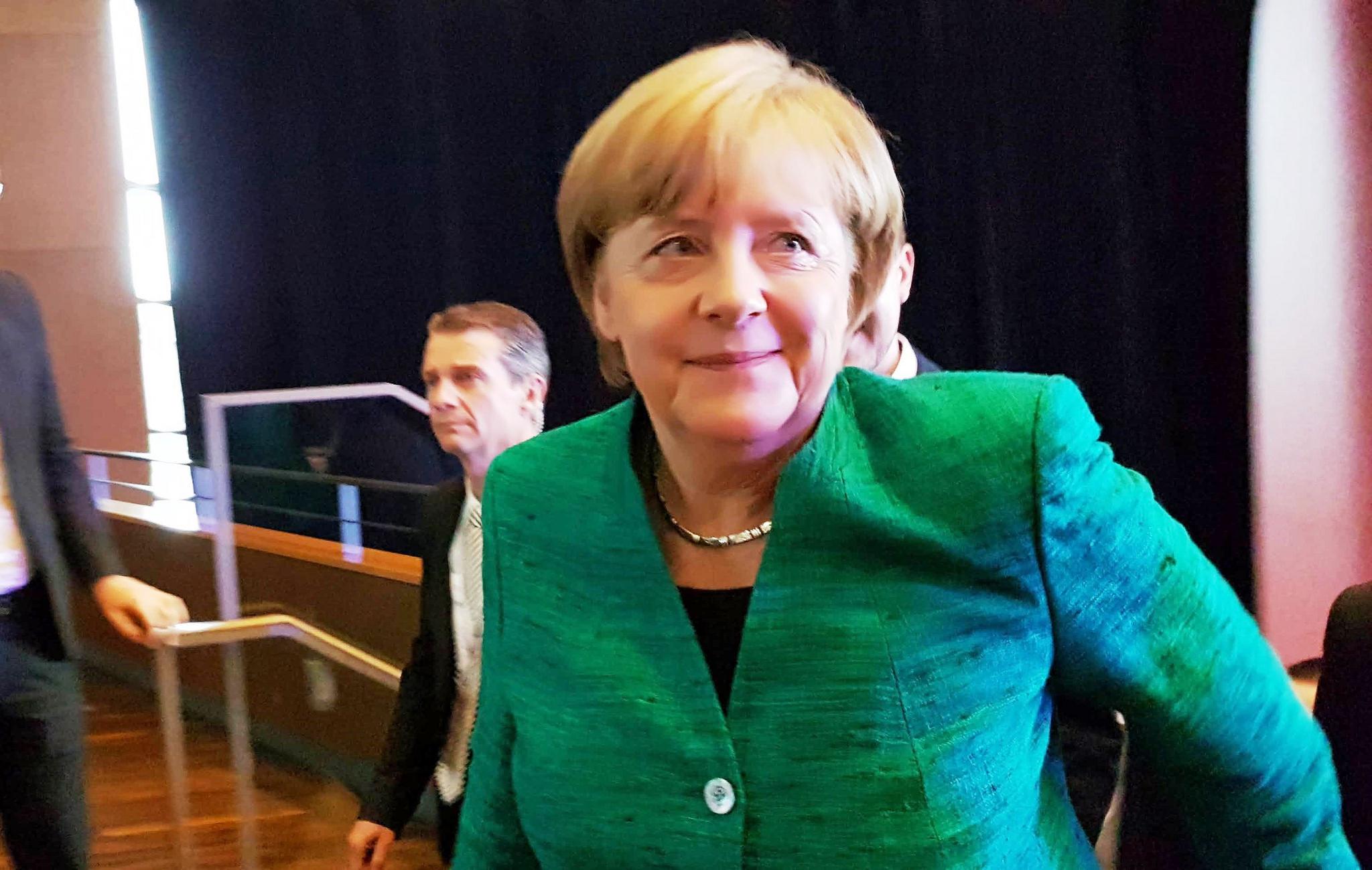 Merkel kündigt offizielle Verhandlungen zur Jamaika-Koalition an