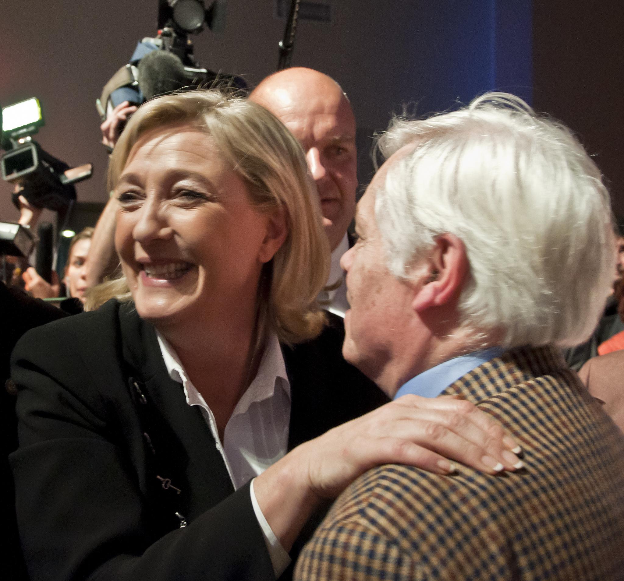 """Marine Le Pen: """"Ich bin die Anti-Merkel"""""""