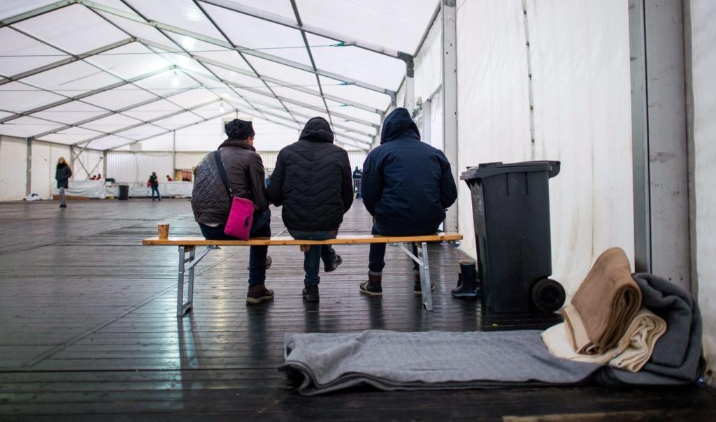 Ungarn: Nur ein Schlafplatz wird gesichert, keine Versorgung für die Migranten