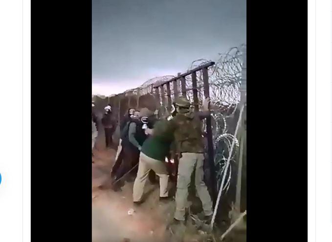 Mit Hilfe türkischer Polizei: Migranten in Gasmasken stürmen weiter auf griechische Grenze