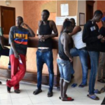 Corona-Krise: Statt Abschiebung nun Hotel-Luxus für 85.000 Migranten