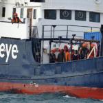 "Trotz Corona-Krise: ""Alan Kurdi"" übernimmt 150 Migranten von Schleuserbanden"