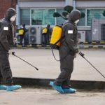 """Spanische Behörden zerstören Strand mit giftiger Bleiche wegen """"Corona-Gefahr"""""""