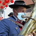Keine Satire: Grüne setzen Mundschutz für Blasmusiker durch