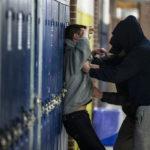 """Skandal: Syrischer """"Flüchtlingslehrer"""" würgte Schüler und drückte ihn gegen Tafel!"""