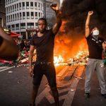 """Gewalt und Plünderungen: """"Rassenunruhen"""" erreichen nun auch Europa"""