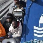 SeaWatch hatte 28 Covid-positive illegale Migranten an Bord