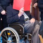 Kein Witz: 93-Jährigen drohen drei Jahre Jugendhaft!