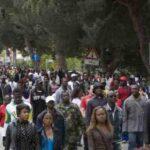 Migranten kommen bereits infiziert an: die 2. Covid-Welle trifft auf Europa