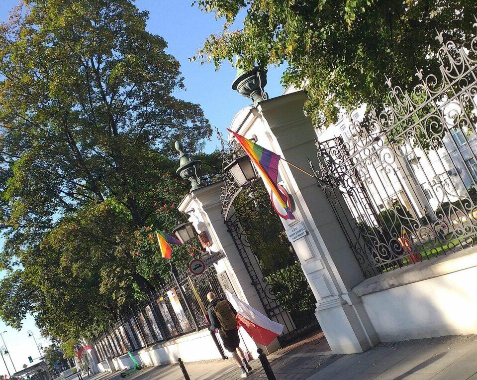 Haft für Austausch der polnischen Fahne durch Regenbogenfahne am Justizministerium