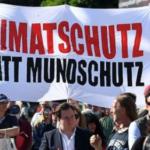 """Nach Gerichtsentscheid darf jetzt sogar auch ohne """"Maulkorb"""" demonstriert werden"""
