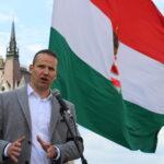 László Toroczkai: der Ungar, der die Idee des Migranten-Zauns initiiert hat (Interview)