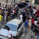 Paris: Polizisten umzingelt von feindlichen afrikanischen Massen
