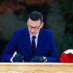 Polnische Kabinettsumbildung: Schwenk nach rechts und gleichzeitig nach links