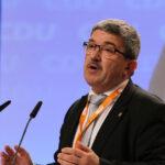 Mecklenburg-Vorpommerns CDU-Innenminister Caffier tritt wegen privatem Waffenkauf (!) zurück
