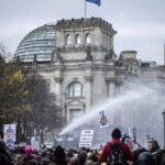 """Corona-Ermächtigungsgestz im Bundestag durchgepeitscht: """"Merkt euch ihre Namen!"""""""