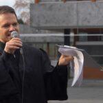 """Anwalt bei Anti-Corona-Demo vor Bundesverfassungsgerichtshof: """"Verantwortliche Politiker werden vor Strafgerichtshof landen"""" (VIDEO)"""