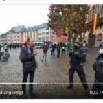 Polizei: Bei Migranten Hosen voll – gegen Apfel essenden Passanten stark