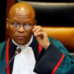 """Südafrikas Oberster Richter bricht Schweigen: """"Coronavirus-Impfstoffe sind Teil einer satanischen Agenda"""""""