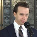 Polen: Parlamentarier Krzysztof Bosak gegen Kartell der Internet-Oligarchen