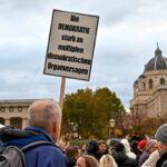 Zehntausende fordern auf Straße und via Petition Rücktritt von Österreichs Skandalregierung (DEMO-UPDATE)