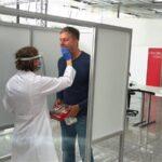 Österreich prescht vor: Flugreisen nur mehr mit Impf- oder Testnachweis via Überwachungs-App