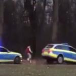 Polizei: Bei Dealern in Parks die Hosen voll – bei Hetzjagden mit Polizeiautos auf Kinder stark