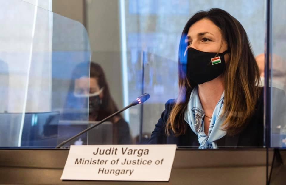 Justizministerin Varga: Ungarn hat gezeigt, dass es eine effektive Lösung für die Migrationskrise gibt