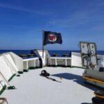 """Schlepper-NGO """"Sea Watch"""" hisst erneut Antifa-Flagge und will nun gegen """"Faschismus"""" kämpfen"""