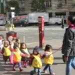 """Kindergärtnerinnen sollen Kleinkindern Anti-Rassismus und """"weiße Privilegien"""" beibringen"""