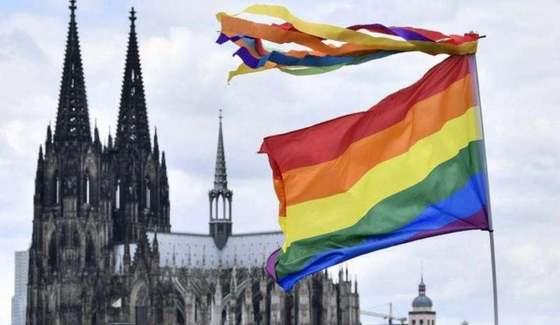 Die deutsche Kirche rebelliert mit der Segnung gleichgeschlechtlicher Paare